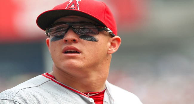 Can Mike Trout Become Baseball S First Half Billion Dollar Player