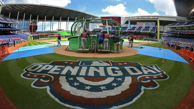 It's a sunny day in south Florida as the Marlins took on the Braves.