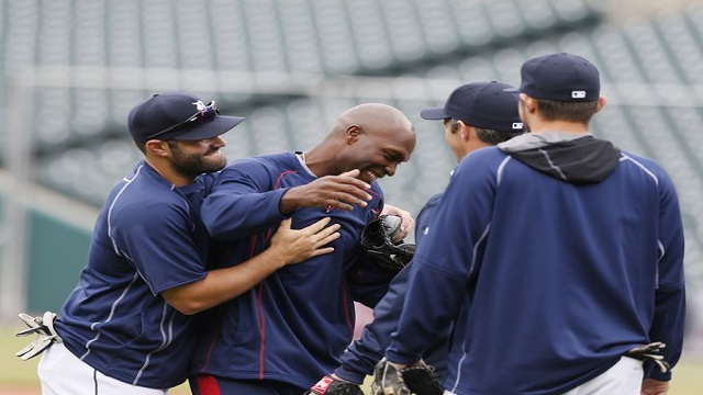 Torii Hunter is greeted by former teammates in his return to Detroit.