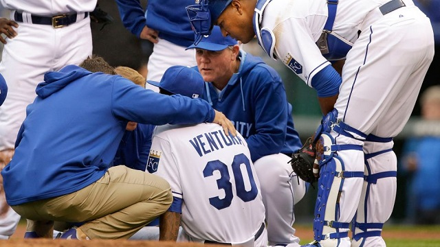 Yordano Ventura left the game as the winning pitcher with a right thumb cramp.