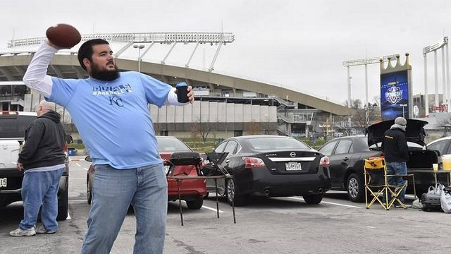 Royals fans get season started with some tailgating.