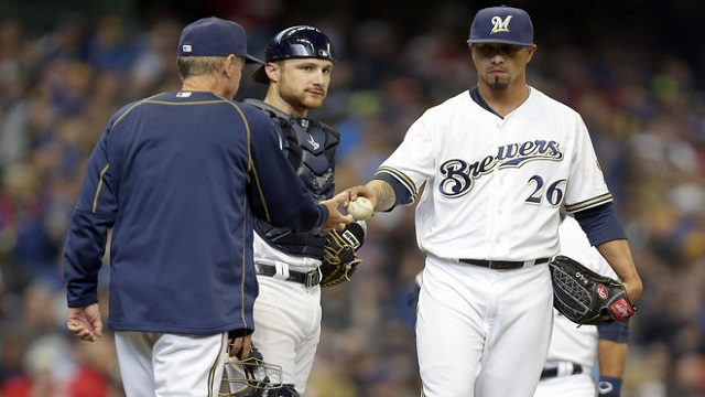 Kyle Lohse leaves the game after surrendering eight runs in 3.1 innings.