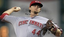 Cincinnati Reds starting pitcher Mike Leake delivers during the first inning of a baseball game against the Pittsburgh Pirates in Pittsburgh on Saturday, Sept. 29, 2012. (AP Photo/Gene J. Puskar)